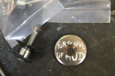 "Bombtrack Top Cap A-Head Kappe 1 1/8"" - For the love of mud"